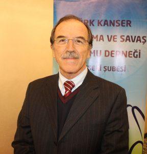 """TÜRK KANSER ARAŞTIRMA VE SAVAŞ KURUMU DERNEĞİ KAYSERİ ŞUBE BAŞKANI PROF. DR. AKİF ÖZDEMİR, """"İNSANLARIN BULAŞICI HASTALIKLARLA MÜCADELESİNİ DEĞİŞTİRİRSEK KANSERİN 3'TE 1'İ OLUŞMAYACAK"""" DEDİ. (ALİ GÖÇ/KAYSERİ-İHA)"""